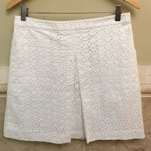 Club Monaco White Eyelet A Line Skirt Size Medium
